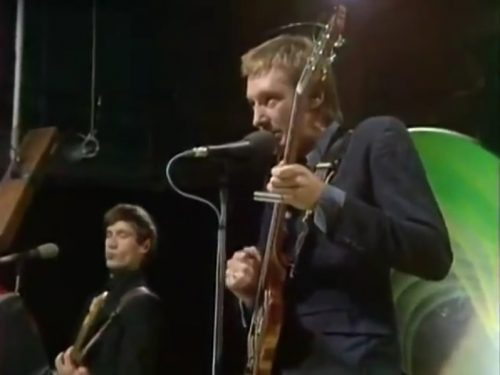 Dr. Feelgood beneath the love light, performing 'Back in the Night.' (1975)